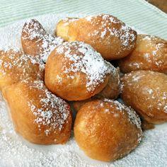 Estos buñuelos de calabaza con un toque de canela son muy fáciles de preparar, con cualquier variedad de calabaza. Se sirven templados o fríos.