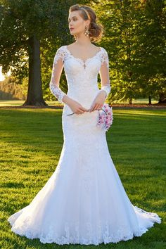 Attractive Tulle V-neck Neckline Mermaid Wedding Dress With Lace Appliques & Beadings