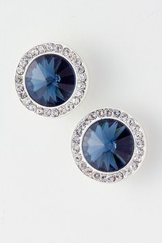 I want earrings like these so bad but never see them anywhere, not even fine jewelry stores. I've been looking for like 2 years!