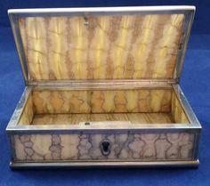 table snuff box