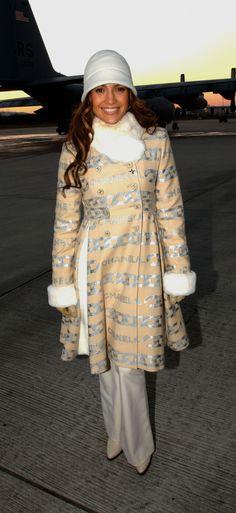 Jennifer Lopez ha un guardaroba pieno di cappelli. E li indossa tutti -cosmopolitan.it
