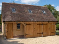 Oak Framed Garages in Oxfordshire, Hampshire, Berkshire and Buckinghamshire Oak Framed Buildings, Timber Buildings, Garage Studio, Garage Shed, Hampshire, Garage With Room Above, Timber Frame Garage, Garage Construction, Garage Extension