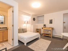 This perfect #UWS #studio is ideal for the savvy student in town. See more: http://www.nyhabitat.com/new-york-apartment/furnished/386