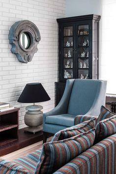 Гостиная в холодных тонах   #голубой #гостиная #полоска