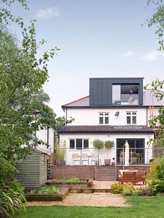 Well Lane Home by Mulroy Architects Traditional single family house located in London, UK, redesigned by Mulroy Architects. Loft Dormer, Dormer Roof, Dormer Windows, 1930s House Extension, House Extension Design, Roof Extension, Loft Conversion Roof, Loft Conversion Bedroom, Loft Conversions