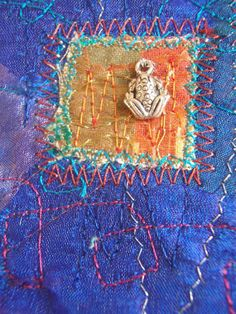 EMBROIDERED TEXTILE ACEO Fabric Art Frog Blue by HeketDesigns is simply adorable and the colors are complimentary. Using Dicrofibers, fusible fibers and hand-stitching will provide artists with the opportunity to try and create an easy way to try an idea like this. Add a simple charm.