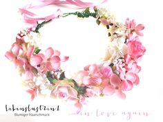Opulenter romantischer Blumenkranz #handmade von www.Lebenslust2in1.de Blumiger Haarschmuck #Blumenkrone #Blumenkrone #Haarblüte #Fascinator