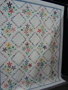 """The pattern for """"Daisy Dance"""" was featured in Fons & Porter's March/April 2009 issue. It was made by Kathy Munkelwitz of Isle, MN"""