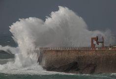 Donostia. Otsailak 2014 Niagara Falls, Beautiful Places, Waves, Nature, People, Large Photos, Norte, News, Naturaleza