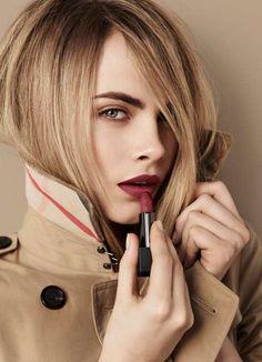 Burberry-Beauty-Lip-Velvet-Cara-Delevingne