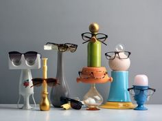 Cardboard, PV, Sinks, Books, Clothespins And Pallets.. 21 Upcycled Eyewear Displays |