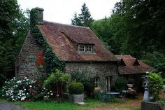 The Murmuring Cottage: