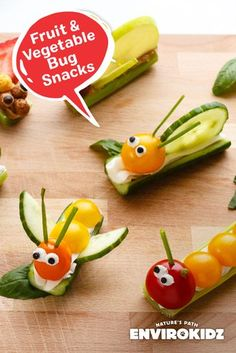 Fruit and Vegetable Bug Snacks Kids will be buzzing for this vegan and gluten free snack! Using vegan cream cheese, cashews and practically any fruit or veggies you have in the fridge, families can turn this after school snack into a buggy adventure. Bug Snacks, Snacks Für Party, Fruit Snacks, Healthy Snacks, Snacks Ideas, Kids Fruit, Fun Fruit, Food Kids, Fruit Party