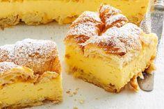Old-fashioned vanilla slice Custard Slice, Custard Cake, Custard Pies, Cake Recipes, Dessert Recipes, Custard Recipes, Custard Desserts, Xmas Recipes, Pudding Recipes