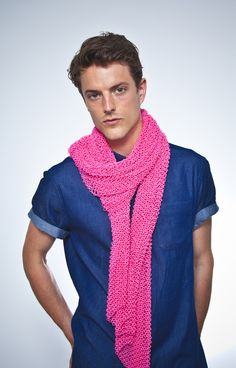 Check out this 3D-printed scarf. I wonder if it's cozy... #3Dprinting #Fashion #Scarf