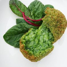 Cromesquis d'épinards et mozzarella..... #menubistronomique #cromesquis #mozzarella #épinard #spinach #mozza #gourmandcroquant #color #Food #Foodista #PornFood #Cuisine #Yummy #Cooking