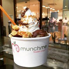 "@enjoymunchme's photo: ""Waffle x SwirlTower x Nutella A Big Smakelijk ☺️ #munchme #enjoymunchme #waffle #wafel #belgianwaffle #anytime #anyday #frozenyogurt #froyo #swirl #stadsfeestzaal #stadantwerpen #antwerpen #antwerp #me #meir #shopping #munchies #foodie #food #fresh #foodgasm"""