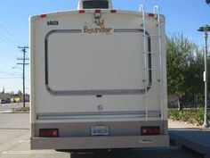1996 Used Fleetwood Bounder 34J Class A in California CA.Recreational Vehicle, rv, 1996 Fleetwood Bounder 34J, Very nice, well maintained, smoke free Fleetwood Bounder 34ft motorhome. Purchased new in '95 from Mike Thompson RV Superstore. Ford chassis, 7.5 liter Ford V8 engine, 24 gallon propane tank, rear leveling jacks, Onan Marquis 5000 generator, Inteli Power 9100 Charge Wizard, CB radio, auto entry step, tire covers, back up camera, front and rear climate control heat and A/C, porch…