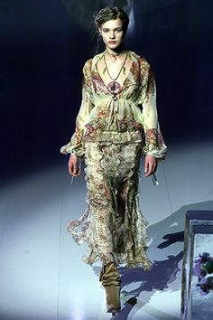 Emanuel Ungaro | Fall 2002 Ready-to-Wear Collection