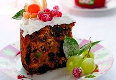 Dan il-kejk addattat għal minn iħalli għall-aħħar biex jagħmel l-ikel tal-Milied għax m'għandux bżonn joqgħod għal żmien biex jiffermenta l-frott u Food Cakes, Meatloaf, Cake Recipes, Recipies, Deserts, Muffin, Baking, Breakfast, Sweet