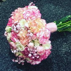 A pink bouquet for any bride !