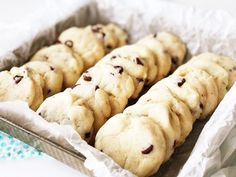 These Condensed Milk Chocolate Chip Cookies taste like a shortbread cookie cross. - These Condensed Milk Chocolate Chip Cookies taste like a shortbread cookie crossed with a chocolate - Condensed Milk Desserts, Condensed Milk Cookies, Sweet Potato Biscuits, Sweet Potato Recipes, Baking Recipes, Cookie Recipes, Baking Tips, Dessert Recipes, Milk Chocolate Chip Cookies