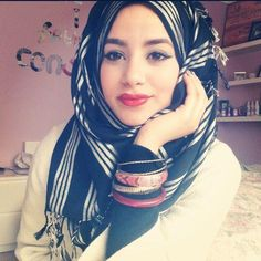 TWO easy everyday hijab style easy to recreate and supper simple. I find wearing these hijab styles on daily basis. Fashion Mask, Hijab Fashion, Girl Fashion, Muslim Women Fashion, Islamic Fashion, Beautiful Muslim Women, Beautiful Hijab, Simple Hijab Tutorial, Dehati Girl Photo