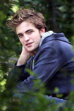 Robert Pattinson I love youuuuuuu Twilight Saga Quotes, Twilight Saga Series, Twilight Edward, Twilight Movie, Edward Cullen, Edward Bella, Robert Pattinson Twilight, Robert Pattinson And Kristen, Robert Douglas