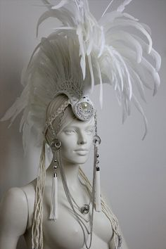 Hey, I found this really awesome Etsy listing at http://www.etsy.com/listing/157608970/white-diamond-large-white-feather-mohawk