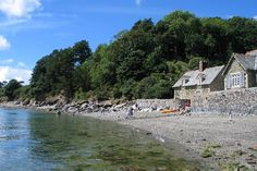 Durgan is a small, picturesque village near the mouth of the Helford River in Cornwall boasting two south-east facing beaches. Both are shingle and pebble beaches, sitting at the foot of the subtropical Glendurgan Gardens, from where beautiful views of the Helford can be enjoyed.
