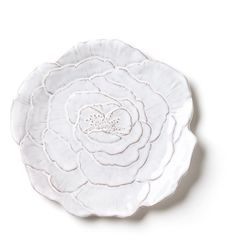Bellezza Bloom White Rose Salad Plate (1,740 DOP) ❤ liked on Polyvore featuring home, kitchen & dining, dinnerware, kitchen, white, filler, flowers, rose dinnerware, white plates and rose plates