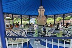 Gardaland, położony tuz obok naszych campingów nad Jeziorem Garda:  http://www.eurocamp.pl/parki-rozrywki/park-rozrywki-gardaland-wlochy
