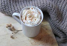 Recette du Latte aux épices et citrouille, à déguster en écoutant un livre audio bien sûr...  http://www.mangoandsalt.com/2013/09/22/pumpkin-spice-latte/?utm_source=rss&utm_medium=rss&utm_campaign=pumpkin-spice-latte