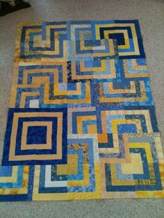 Alycia Quilts: Sidetracked.  Quilt top in progress