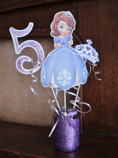 Princess Sofia Centerpiece, Sofia the first Decoration. Princess Sofia Birthday, Sofia The First Birthday Party, Pink And Gold Birthday Party, 3rd Birthday Parties, Tangled Birthday, Princesa Sophia, Minnie Mouse Party, Mouse Parties, Mickey Mouse