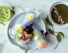 Rolls vitalisants, sauce au sésame noir. Publié par NATURALIA. Retrouvez toutes ses recettes sur youmiam.com.