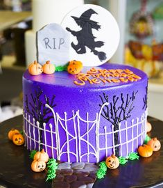 A spooky graveyard and witch cake for a Halloween birthday! Halloween Birthday Cakes, 5th Birthday, Pumpkin Painting Party, Witch Cake, Fall Cakes, Cake Cookies, Cupcakes, Painted Pumpkins, Buttercream Cake
