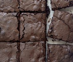Brownies με δύο σοκολάτες - The Cook in you Double Chocolate Brownies, Chocolate Sweets, Coffee Cake, Desserts, Recipes, Food, Cakes, Tailgate Desserts, Deserts