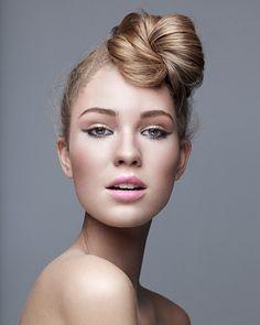 Cute twist bun hairstyle idea