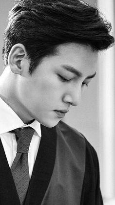 ❤❤ 지 창 욱 Ji Chang Wook ♡♡ that handsome and sexy look . Ji Chang Wook Smile, Ji Chang Wook Healer, Ji Chan Wook, Asian Actors, Korean Actors, Ji Chang Wook Photoshoot, Hot Korean Guys, Asian Guys, Yoo Ah In