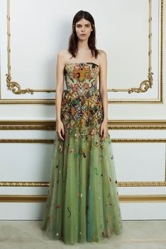 f705cd86023 Reem Acra Spring 2018 Ready-to-Wear Fashion Show. Fashion Show CollectionHigh  FashionVogue ...