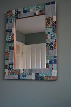 Mosaic Tile Table, Mirror Mosaic, Mosaic Wall Art, Mirror Art, Cool Mirrors, Mosaic Projects, Diy Pallet Projects, Gustav Klimt, Decoration