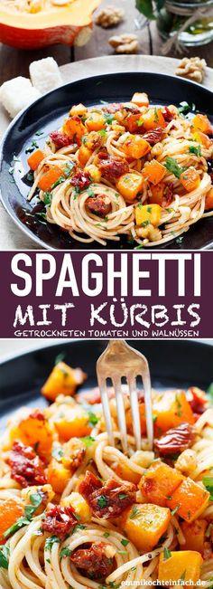 Herbstliche Spaghetti mit Kürbis, getrockneten Tomaten und Walnüssen   Das einfache und schnelle Pasta-Rezept. Die unkomplizierte 35 Minuten Feierabendküche. Herbstlich, vegetarisch und lecker.   #kürbis #herbst #pasta #nudeln #selbstgemacht #vegetarisch #rezept #einfachkochen   emmikochteinfach.de
