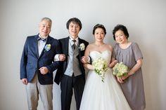 青山にある写真スタジオ様へのブーケ、花嫁様から、一枚のお写真と、嬉しいメールをいただきました。・・・・・・・・・・・・・・・・・・・・・先日は、素敵なお花...