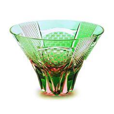 edokiriko(Japanese traditional glass art) made by Hanashyo sake glass Glass Ceramic, Faceted Glass, Cut Glass, Glass Art, Crystal Glassware, Green Vase, Glass Photo, Light Reflection, Colored Glass