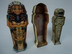 Mummy`s Sarcophagus Paper Model - by Papermau - Download Now! Sarcófago Da Múmia        Here is the Mummy`s Sarcophagus Paper Model, an easy-to-build paper model in four sheets of paper. I think it can be usefull for Dioramas, RPG and Wargames and maybe, for School Works.        In the .rar file you will find the Pepakura file (.PDO), if you want to resize or change the textures.