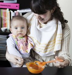 Dietary diversification of a baby from 0 to 3 years old-La diversification alimentaire d'un bébé de 0 à 3 ans Dietary diversification of a baby from 0 to 3 years old - Baby Feeding Pillow, Cold Meals, Led Weaning, Simple Bags, Baby Hacks, Baby Tips, Baby Care, Kids And Parenting, Baby Food Recipes