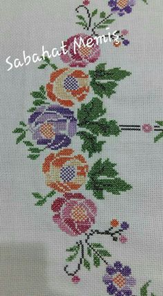 This Pin was discovered by Hül Easy Cross Stitch Patterns, Simple Cross Stitch, Cross Stitch Flowers, Cross Stitch Designs, Needlepoint Stitches, Needlework, Cross Stitching, Cross Stitch Embroidery, Vintage Cross Stitches