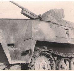 Sdkfz 251/10 ausf. D with camo webbing.