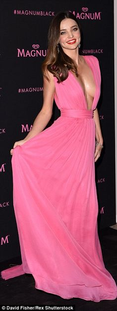 Miranda Kerr shows off some serious sideboob in Cannes | Daily Mail Online
